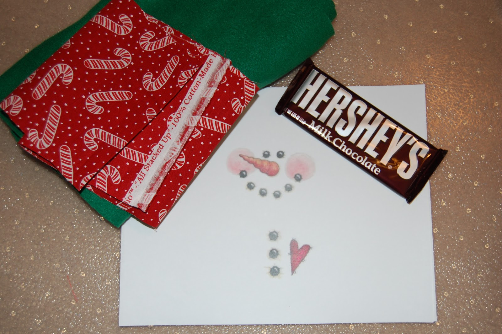A Sprinkle Of This . . . .: Snowman Wrapped Chocolate Bars - Free Printable Christmas Candy Bar Wrappers