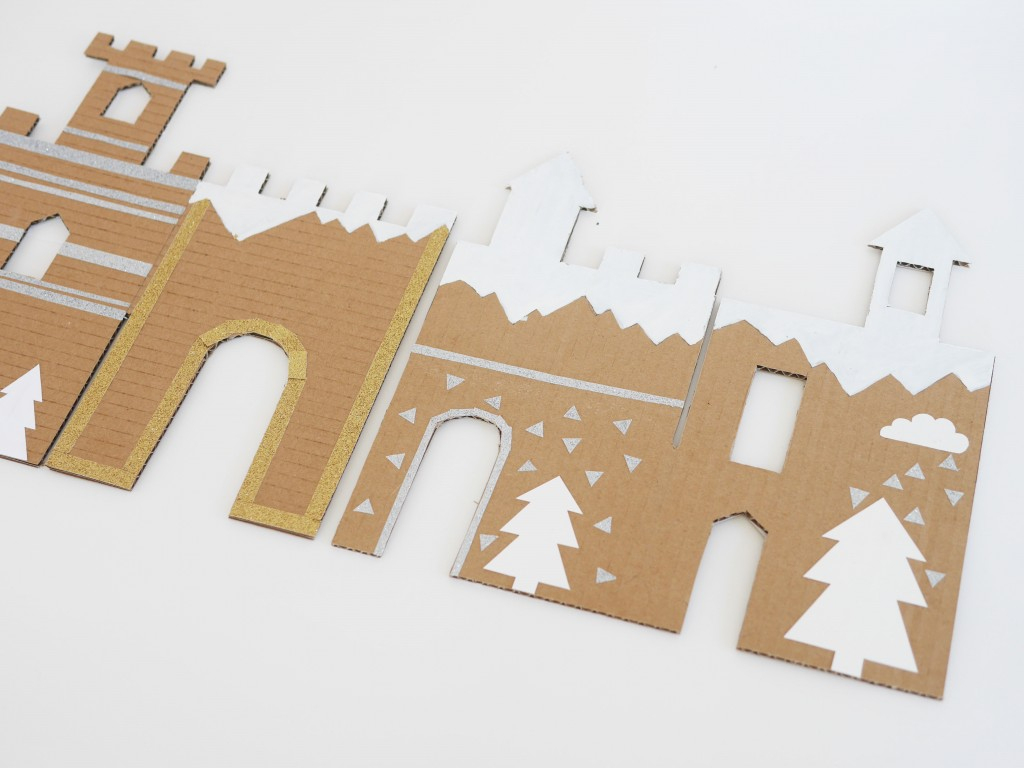 Diy And Free Printable: Winter Cardboard Castle   - Free Printable Castle Templates