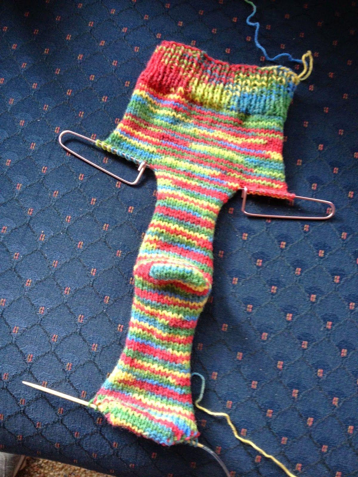 Free!) Two Needle Socks Knit Pattern. Killer Crafts & Crafty Killers - Free Printable Fleece Sock Pattern