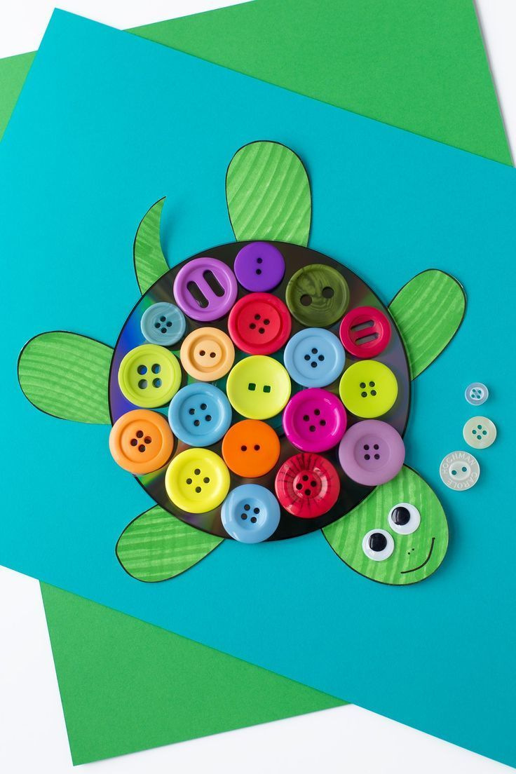 Kids Will Love Making This Cute Turtle Craft With Upcycled Cds - Free Printable Button Templates