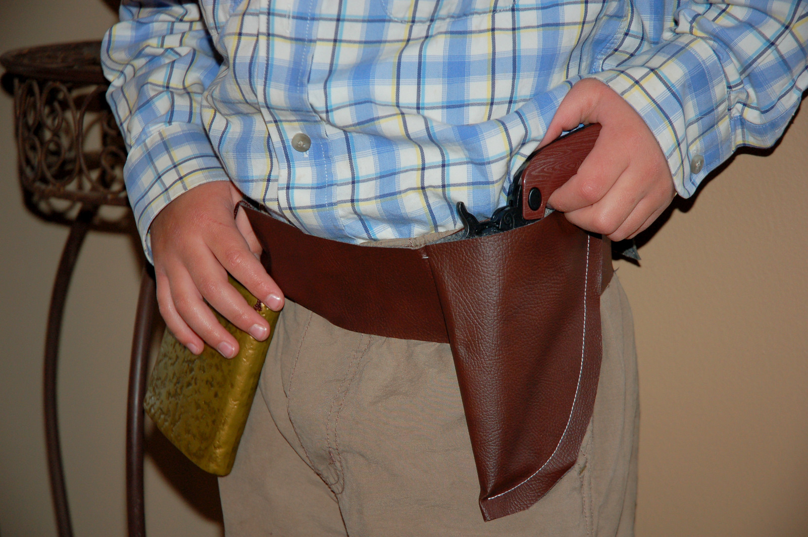Restlessrisa: Cowboy Birthday Party Preparation {Part 1 - The Holster} - Free Printable Holster Patterns